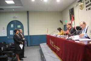SUSTENTACIÓN DE TRABAJO DE INVESTIGACIÓN, GRADO MAESTRO EN GESTIÓN PÚBLICA ALUMNOS:  FLOR MORAIMA CHAMBI ARAPA , CESAR ANDRÉS FLOREZ VILLALOBOS 05/06/2019